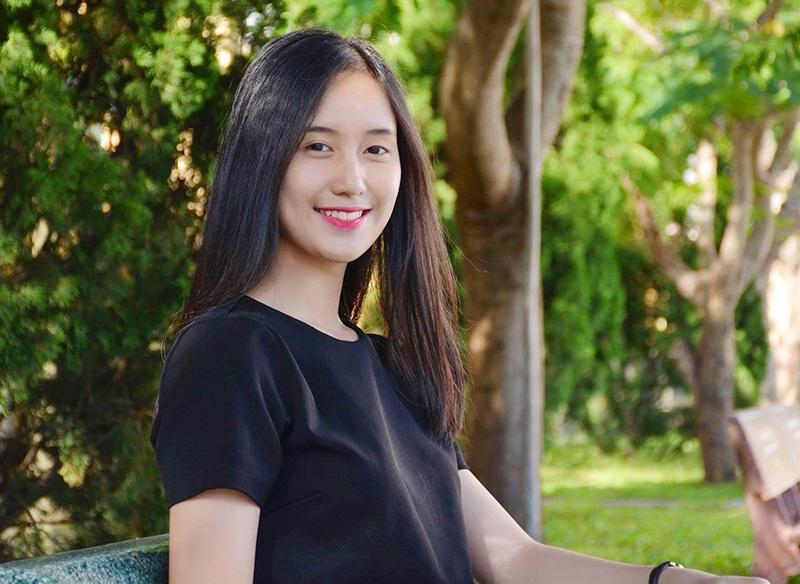 Vẻ đẹp trong sáng của Tân Hoa khôi nữ sinh Việt Nam