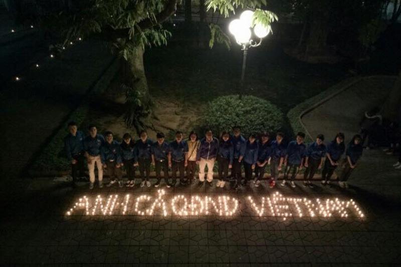 Bạn trẻ Hà thành dâng hương lên Đại tướng Võ Nguyên Giáp nhân ngày 22/12 - 4
