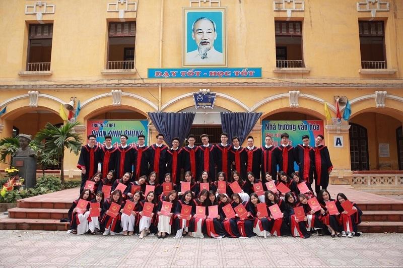 Màn nhảy dân vũ hút 3 triệu lượt xem của học sinh Phan Đình Phùng - 2