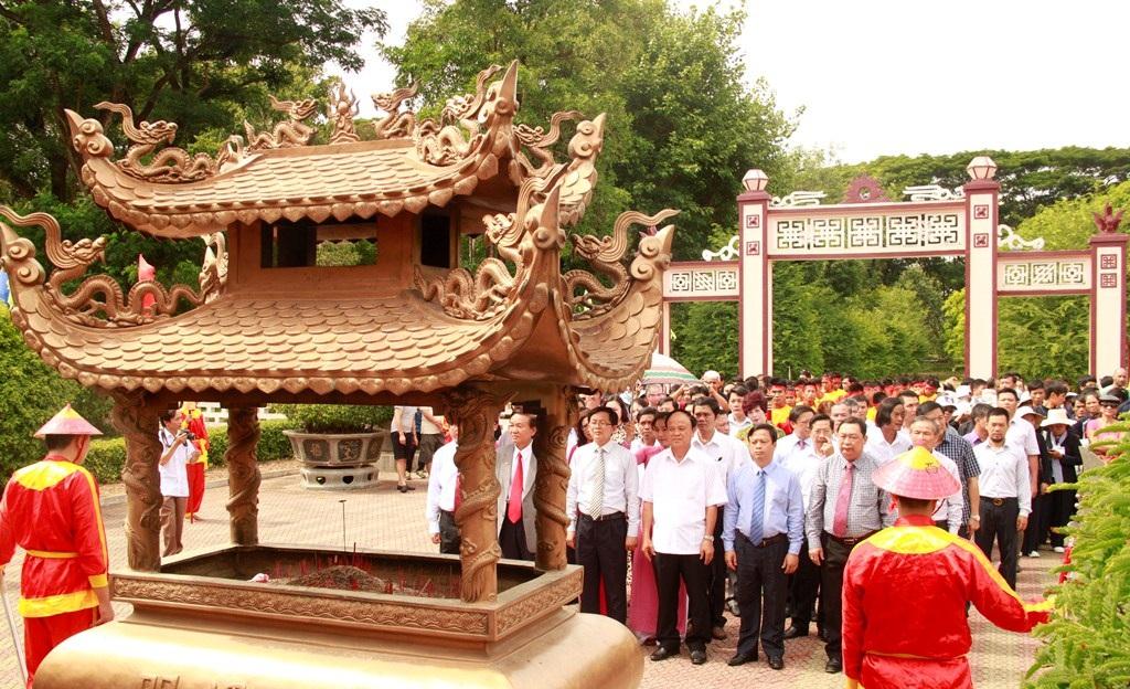 Bình Định: Gần 1.000 võ sư, võ sinh dâng hương Hoàng đế Quang Trung - Ảnh 7.