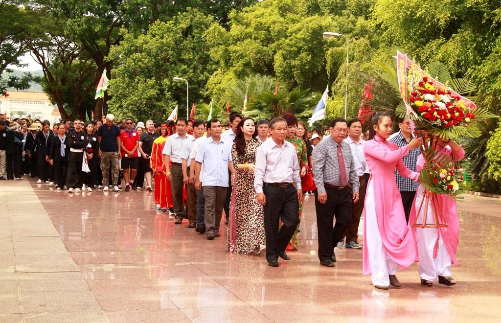 Bình Định: Gần 1.000 võ sư, võ sinh dâng hương Hoàng đế Quang Trung - Ảnh 6.