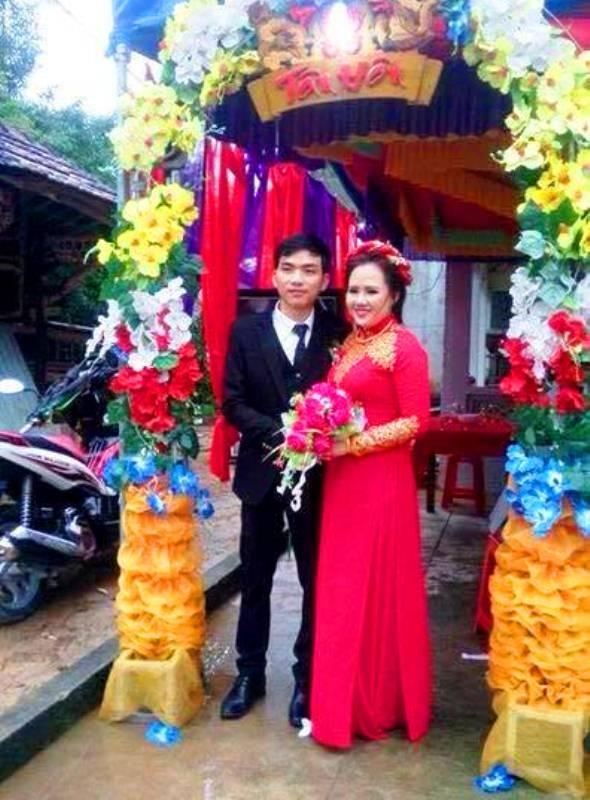 Đám cưới giản dị nhưng cô dâu chú rể đều rất hạnh phúc (ảnh: Nhân vật cung cấp)