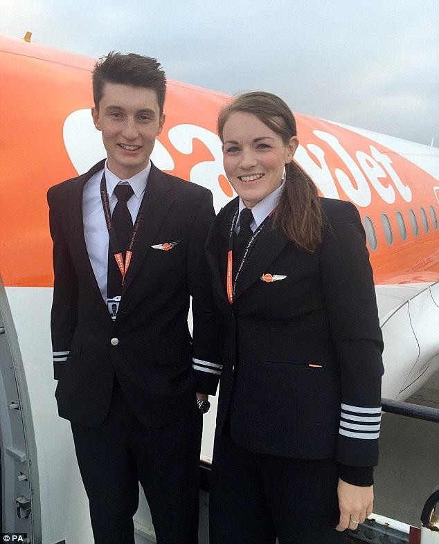 Kate hiện là phi công hãng hàng không EasyJet của Anh (Ảnh: PA)