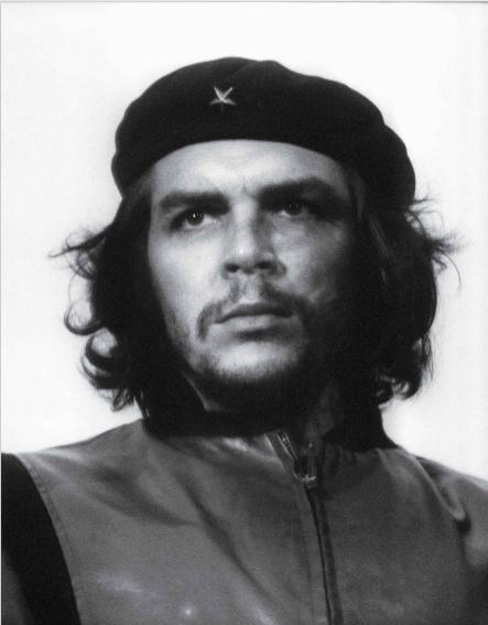 Bức ảnh chân dung chụp Che Guevara - một huyền thoại và biểu tượng anh hùng cách mạng người Argentina trong thế kỷ 20 đã được ghi lại bởi nhiếp ảnh gia Alberto Korda vào năm 1960. Đây là bức chân dung bất hủ của Che Guevara và được phổ biến trên toàn cầu.