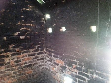 Nhà của bà Thanh liên tục tự bốc hỏa.