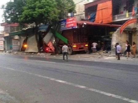Hiện trường vụ tai nạn (ảnh: Hội lái xe container biên giới)