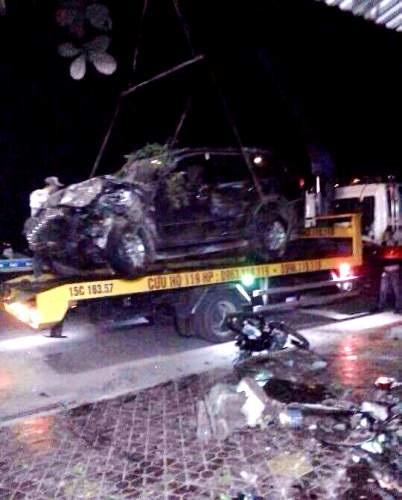 Ô tô tông trực diện xe máy, 2 người tử vong - 3