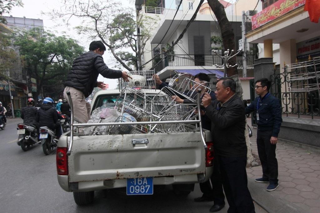 Những quán cóc vỉa hè bị dẹp bỏ trên đường Điện Biên Phủ