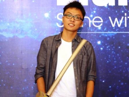Cậu cũng là sinh viên Việt Nam duy nhất được nhận vào ngành điện tử của trường