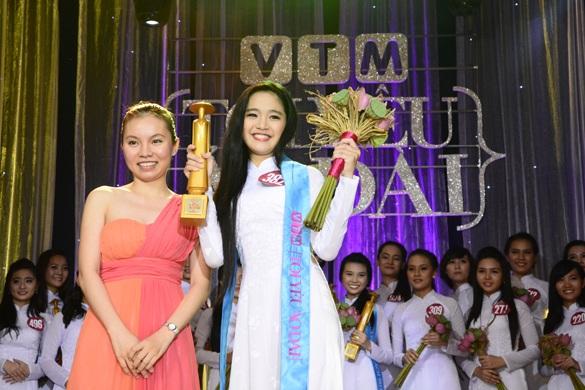 Nữ sinh Huỳnh Kim Vy giành giải ba cuộc thi.