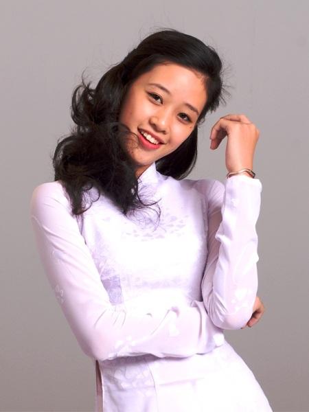 Ngoài đời, Khánh Vân là một cô gái năng động, vui vẻ.