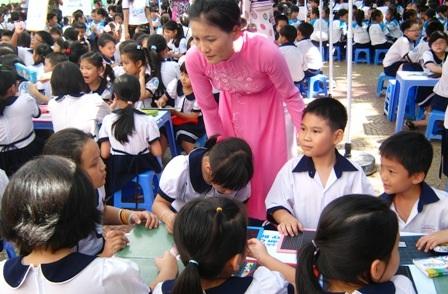 Học sinh dân tộc Chăm và Khmer tại TPHCM sẽ được miễn học phí đến năm học 2019 - 2020.