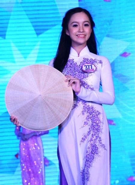 Lê Chi, học sinh Trường THPT Mạc Đĩnh Chi, TPHCM