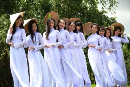 Ngắm những gương mặt nữ sinh mặc áo dài đẹp nhất nước