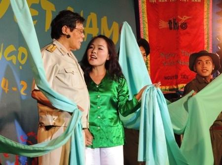 Nhà thơ Lam Giang với