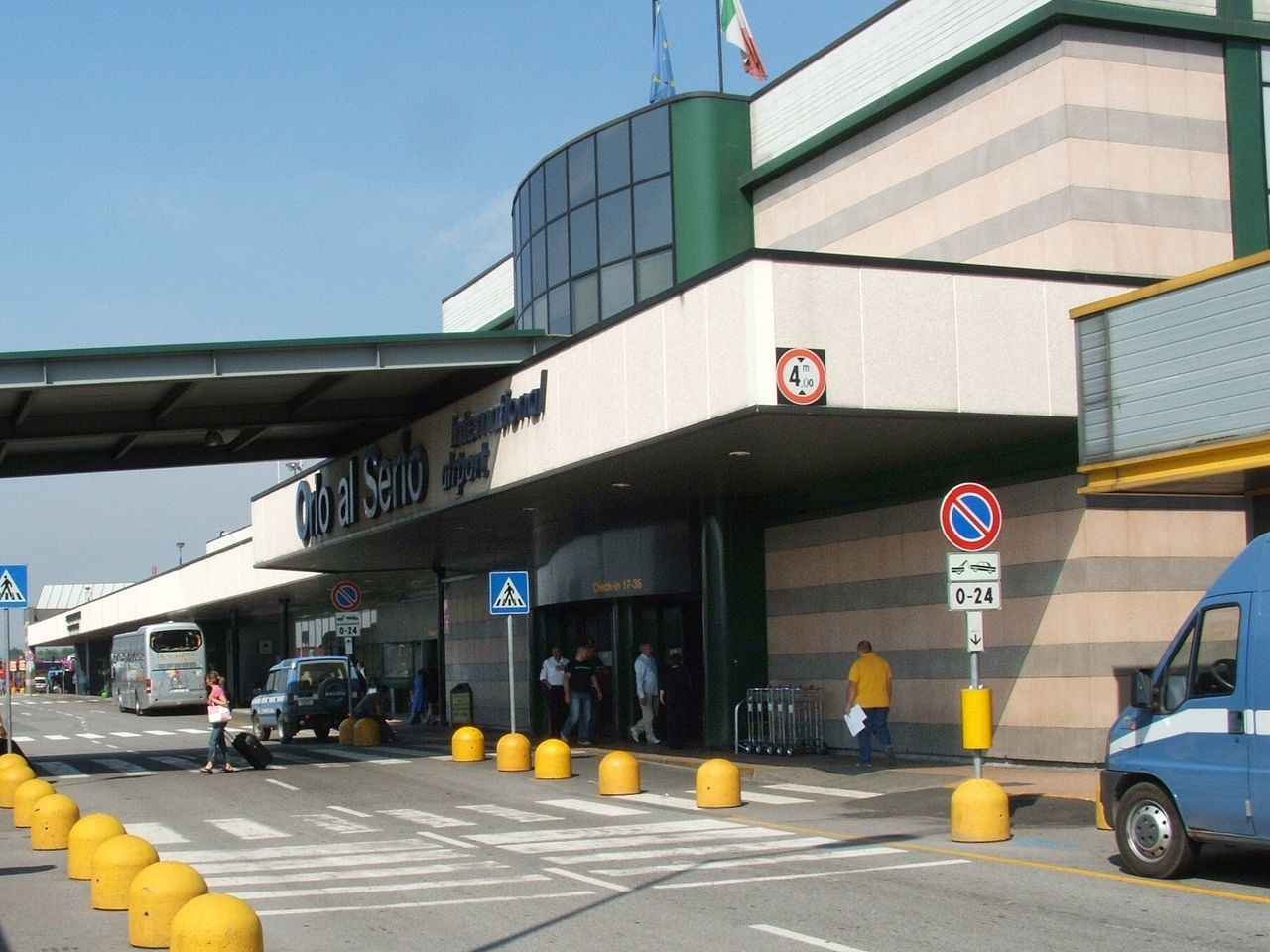 9. Sân bay quốc tế Berlin Tegel,Đức