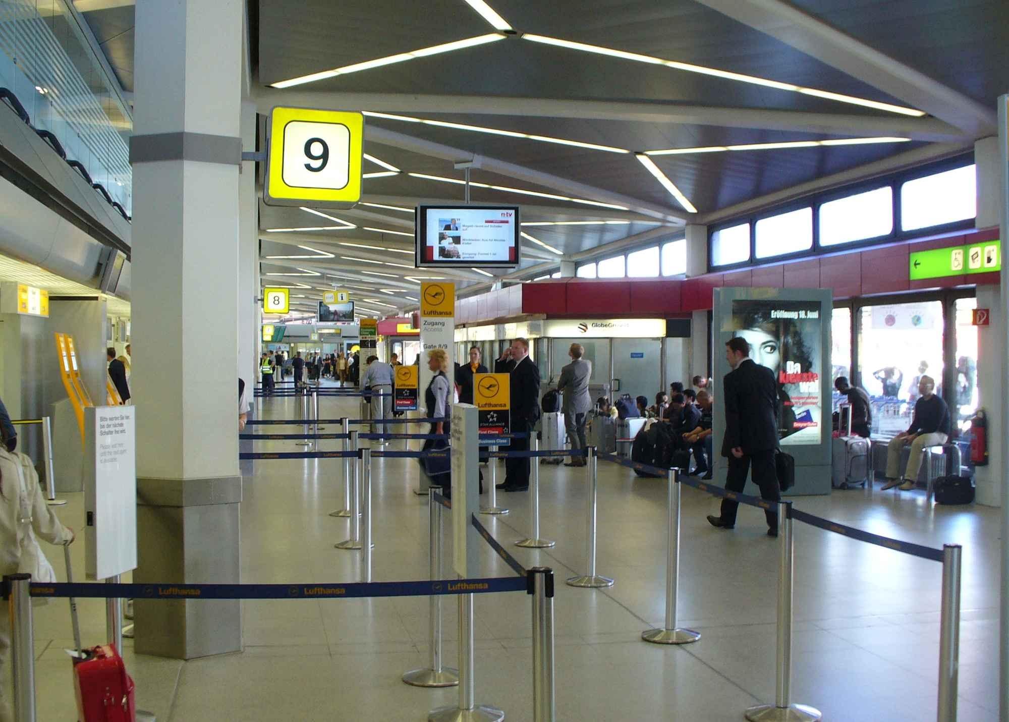 10. Sân bay quốc tế LaGuardia, Mỹ
