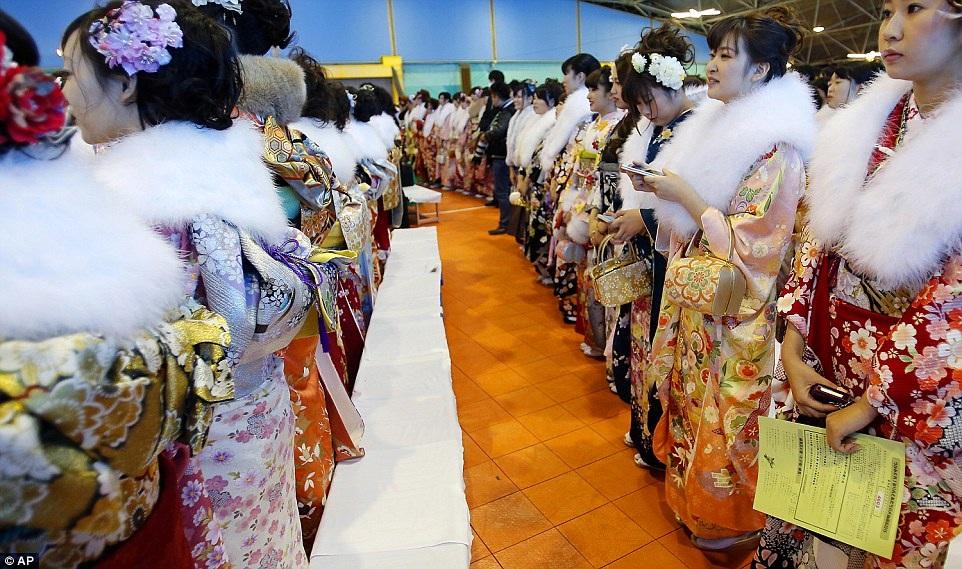 Những cô gái Nhật trong trang phục Kimono truyền thống