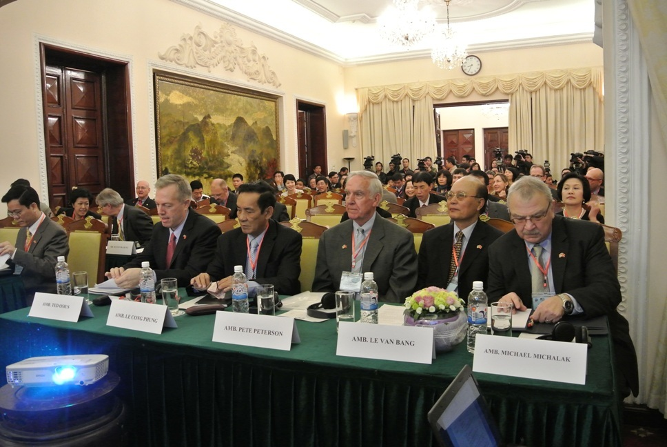 Hội thảo có sự tham dự của các nhà ngoại giao hàng đầu Việt Nam và Hoa Kỳ