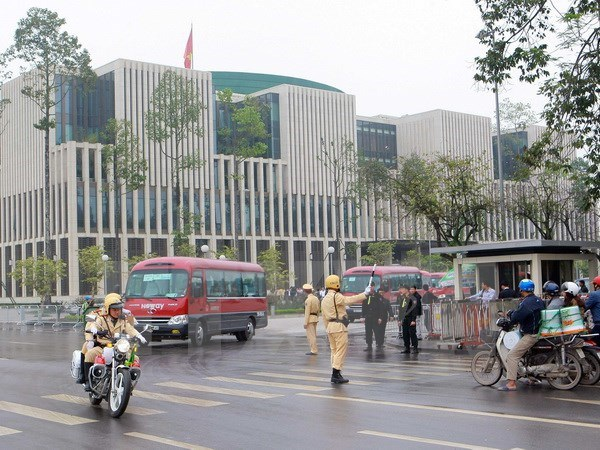 Cảnh sát giao thông làm nhiệm vụ tại khu vực Nhà Quốc hội mới. (Ảnh: Doãn Tấn/TTXVN)