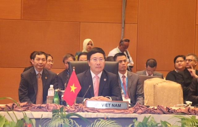 Việt Nam kêu gọi ASEAN đoàn kết, đảm bảo hòa bình ở Biển Đông