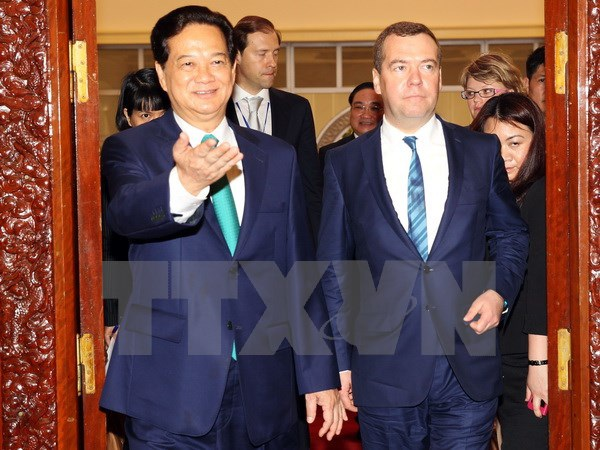 Thủ tướng Nguyễn Tấn Dũng và Thủ tướng Dmitry Medvedev trước cuộc hội đàm. (Ảnh: Đức Tám/TTXVN)