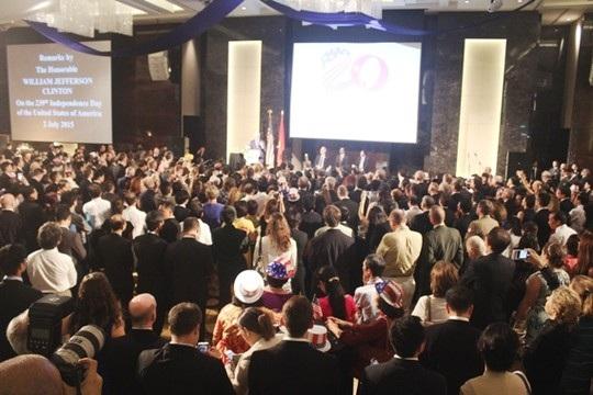 Hàng trăm người dự Lễ kỷ niệm chào mừng 20 năm bình thường hóa quan hệ Việt-Mỹ và Quốc khánh Mỹ