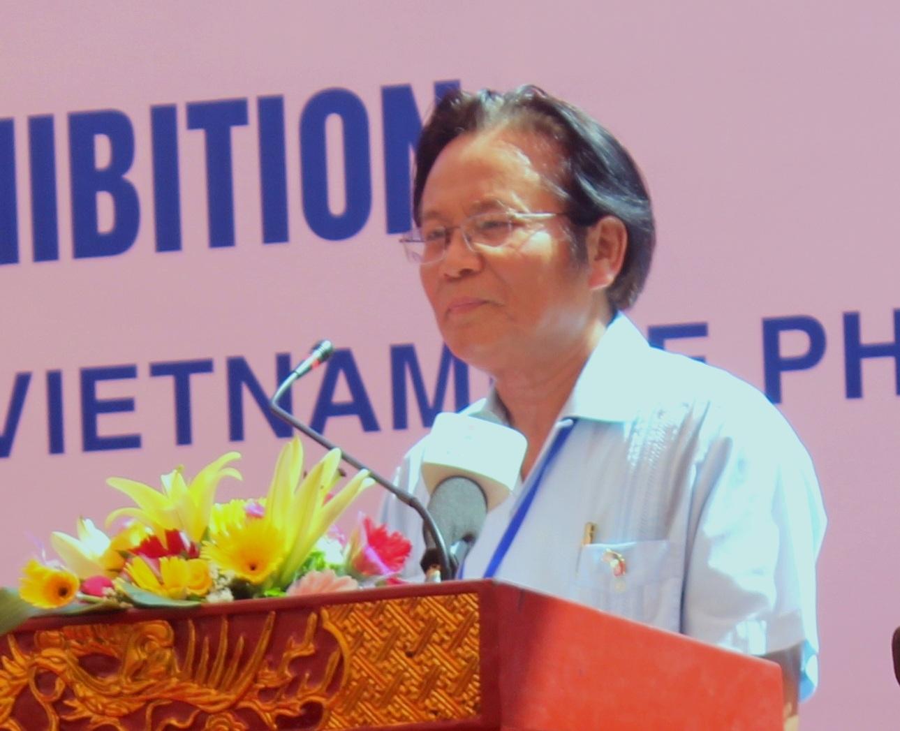 Chủ tịch Hội Việt-Mỹ, cựu Đại sứ Việt Nam tại Mỹ, Nguyễn Tâm Chiến, phát biểu tại buổi lễ
