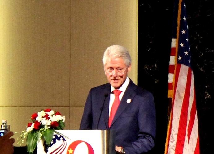 Cựu Tổng thống Mỹ Bill Clinton phát biểu tại Lễ kỷ niệm