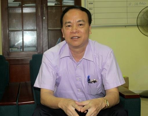 Ông Cù Chí Lợi, Viện trưởng Viện Nghiên cứu châu Mỹ, trả lời phỏng vấn với phóng viên