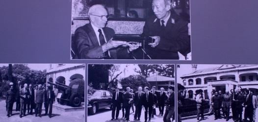 Đại tướng Mỹ John Vessey thăm Việt Nam (1993) (Ảnh: Nguyễn Anh Tuấn)