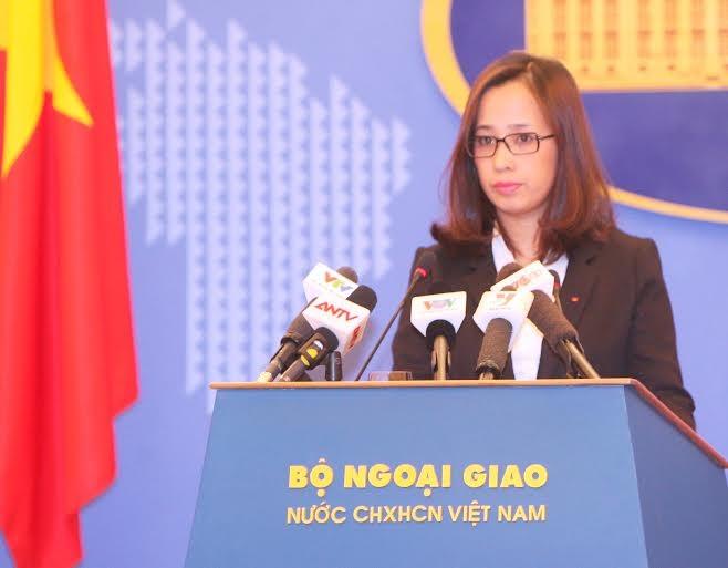 Phó phát ngôn Bộ Ngoại giao Việt Nam Phạm Thu Hằng tại buổi họp báo thường kỳ chiều 23/10