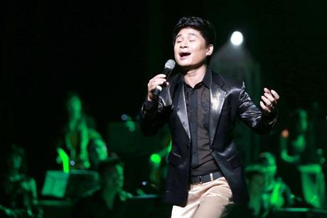Tấn Minh có một đêm nhạc thăng hoa thỏa mãn sự mong chờ của khán giả