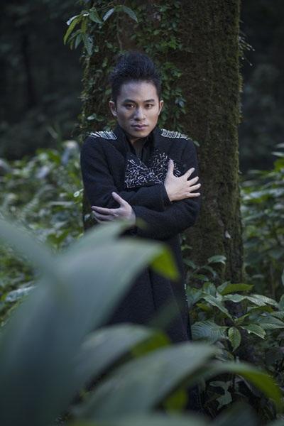 Một số hình ảnh mới của ca sĩ Tùng Dương