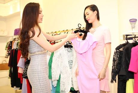 Diệu Hân chọn trang phục cho ứng cử viên Hoa hậu Việt Nam