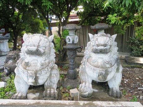 Nghê ngoại lai ở làng nghề chế tác đá Ninh Vân, Ninh Bình