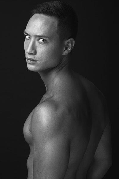 Vẻ điển trai, cơ bắp của diễn viên Việt kiều Kim Lý (Ảnh: