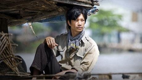 Dustin Nguyễn với vai diễn trong phim Cánh đồng bất tận