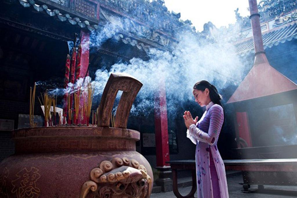 Lễ chùa đầu xuân khiến lòng người thanh thản (Ảnh internet)