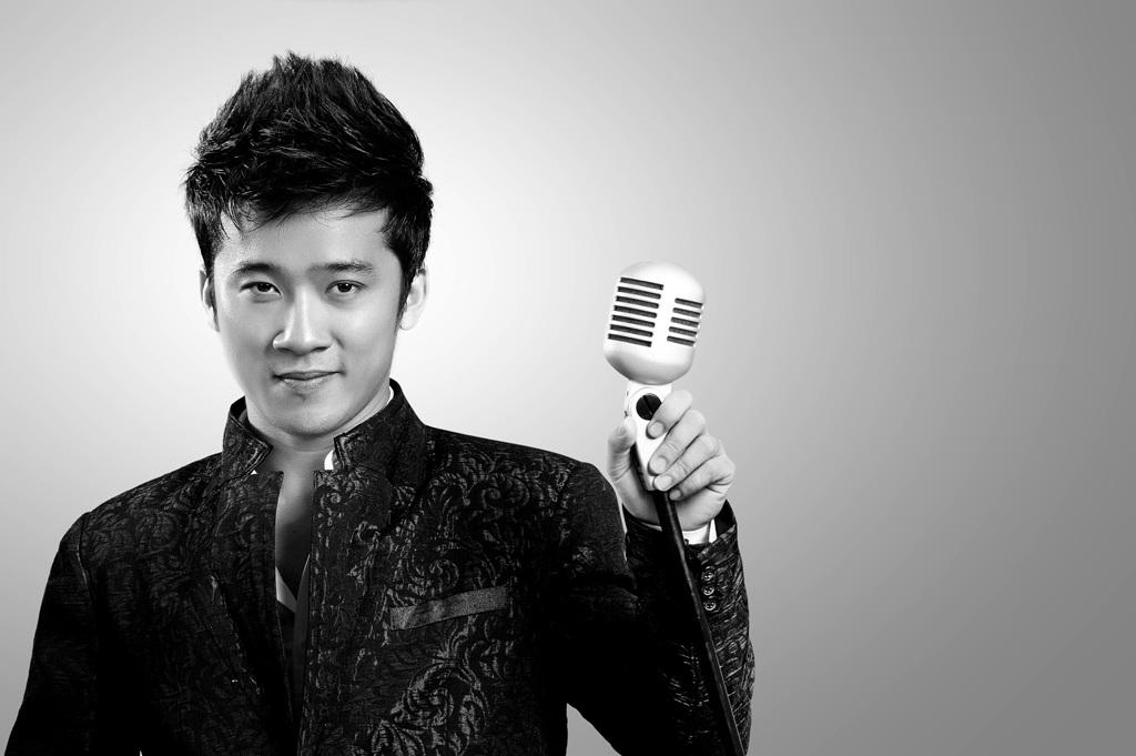 Quang Hào và bạn diễn ở hậu trường MV yêu cái mặn mà