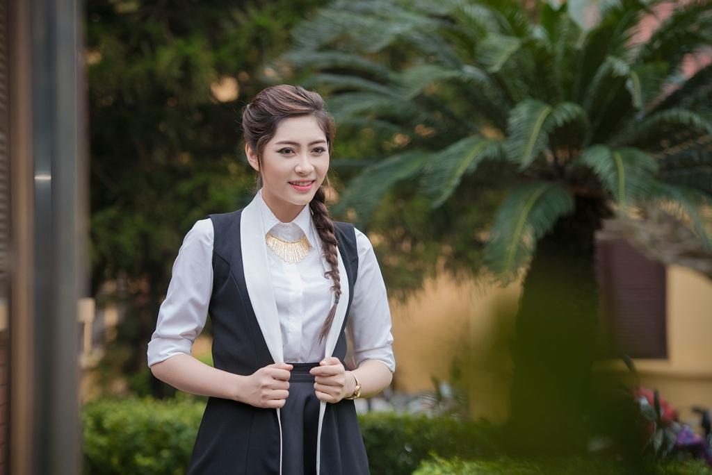 Hoa hậu Đặng Thu Thảo tình tứ bên Nam vương Duy Linh