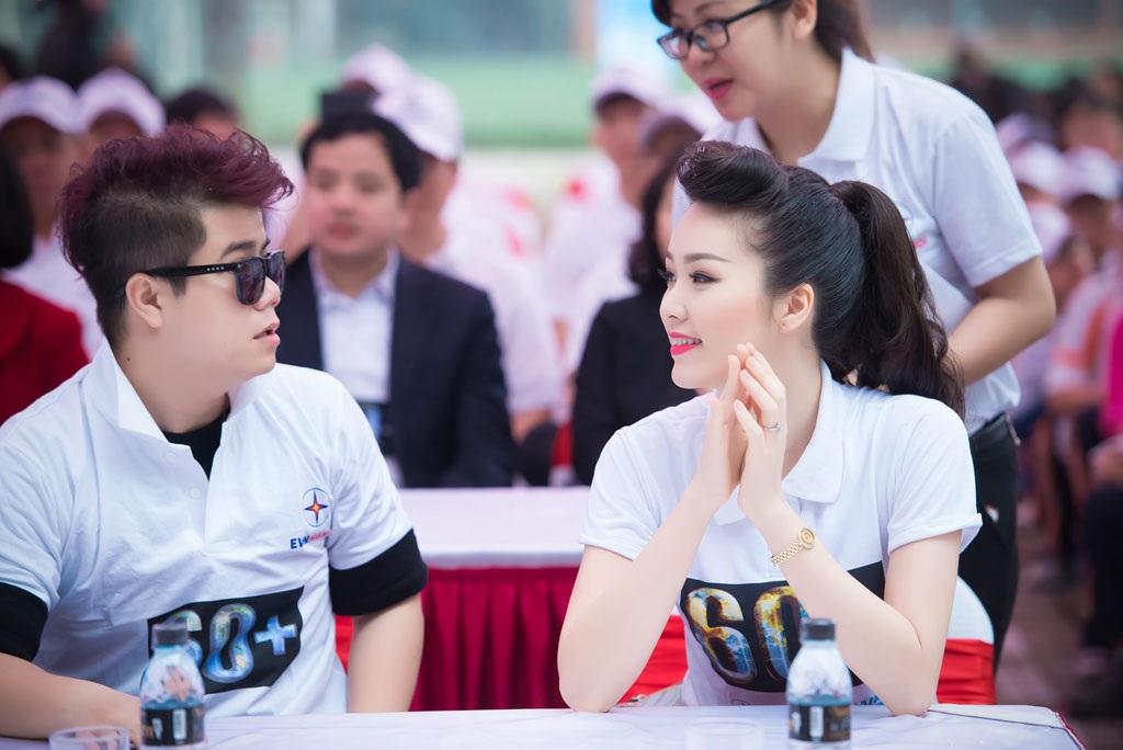 Tham dự tại sự kiện còn có ca sĩ Đinh Mạnh Ninh
