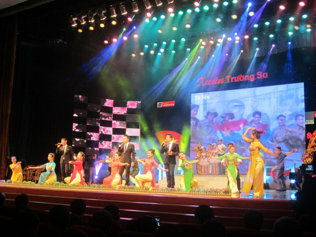 Các nghệ sĩ biểu diễn trong chương trình