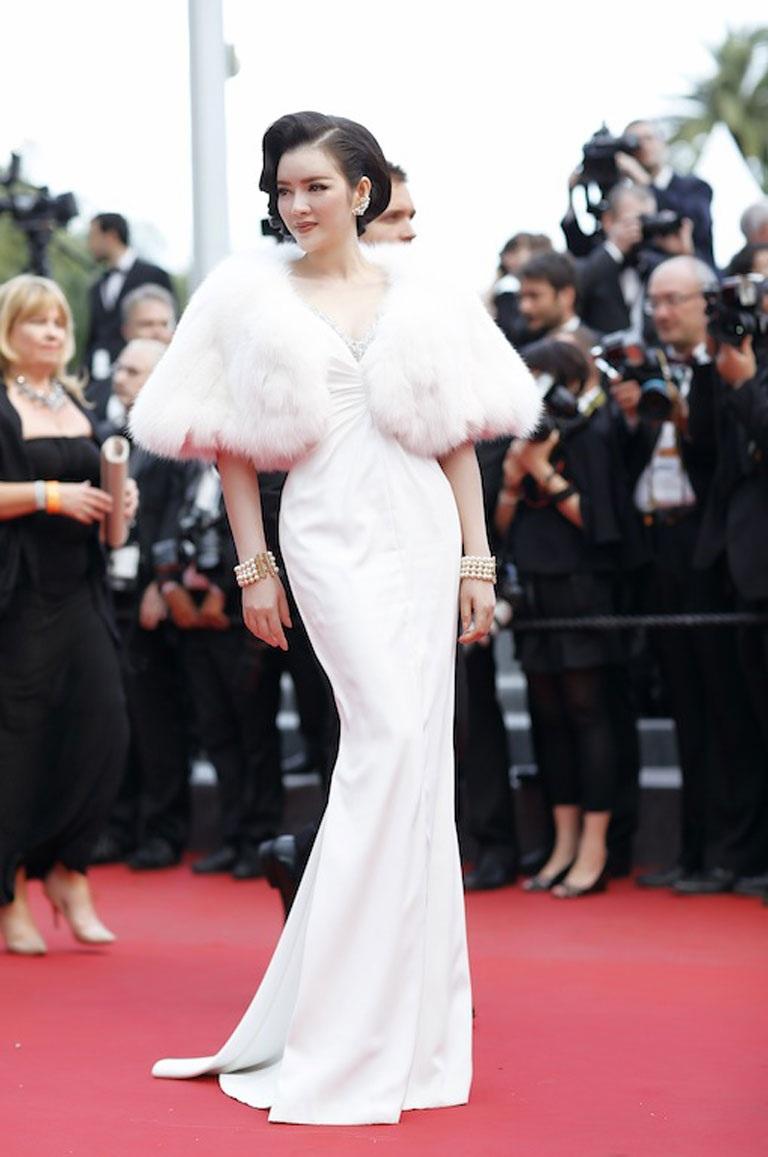 Hình ảnh công chúa của Lý Nhã Kỳ trong ngày thứ 3 tại LHP Cannes