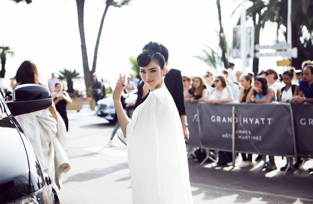 Lý Nhã Kỳ hội ngộ Phạm Băng Băng trên thảm đỏ LHP Cannes lần thứ 68, tháng 5/2015