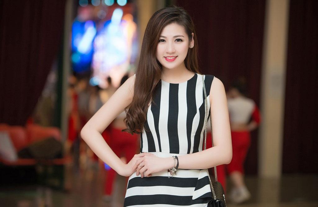 Á hậu Tú Anh làm Đại sứ SEA Games 28