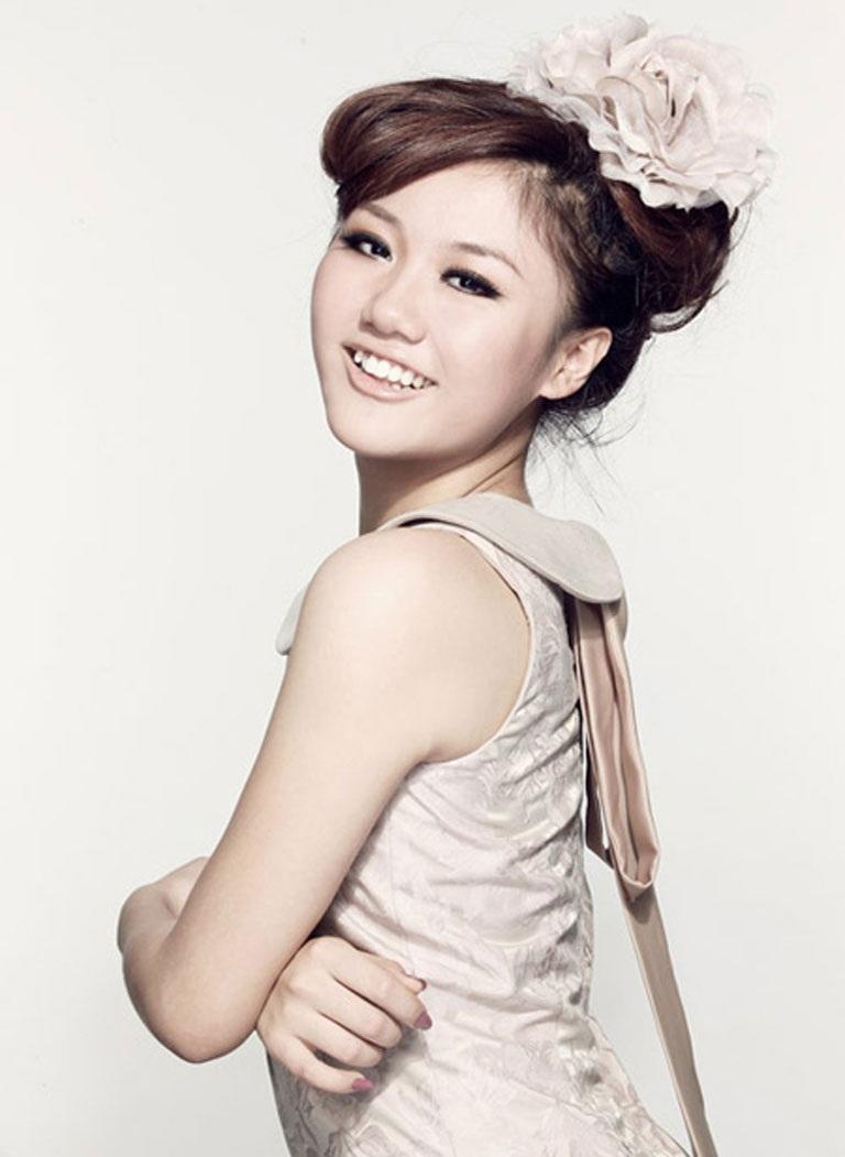 Chương trình với sự tham gia trình diễn của dàn sao trẻ như Văn Mai Hương