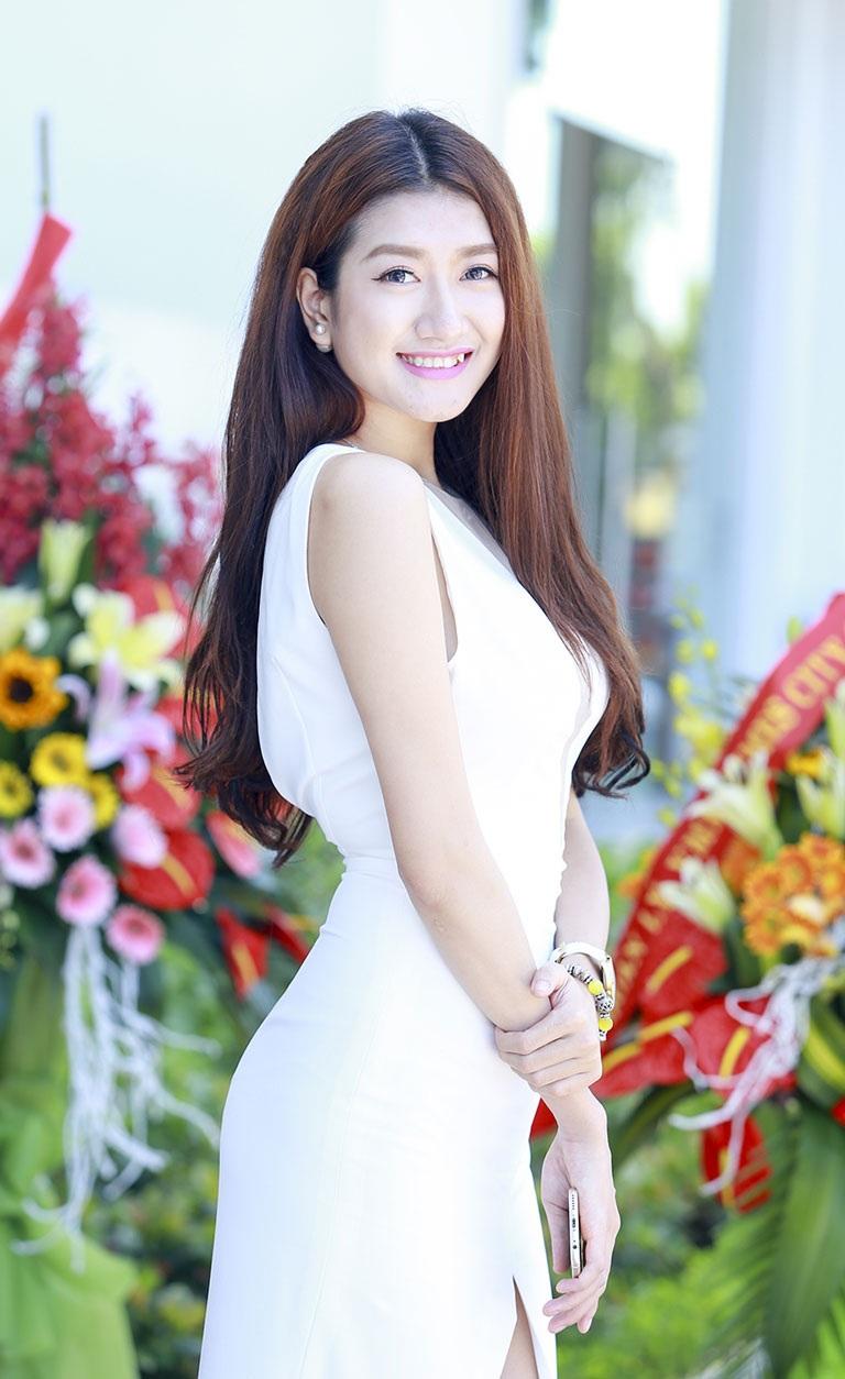 Tham dự sự kiện làm đẹp còn có Người mẫu Kim Oanh