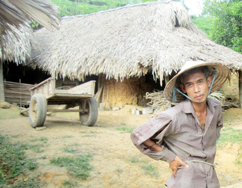Diễn viên Lại Phú Đôn được đo ni đóng giày với vai nông thôn, nghèo khổ