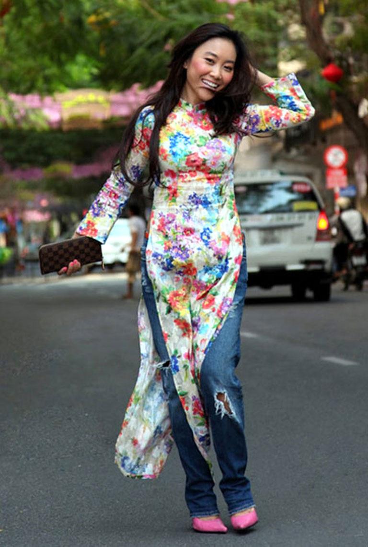 Ca sĩ Đoan Trang nhận ý kiến trái chiều khi kết hợp áo dài với quần bò rách